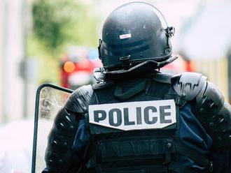 Násilnosti po futbalovom víťazstve v Paríži: Fanúšikovia vyrabovali obchody