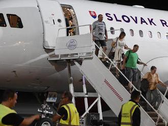 Cestujúci majú v prípade zrušeného letu alebo meškania nárok na odškodné: V týchto prípadoch