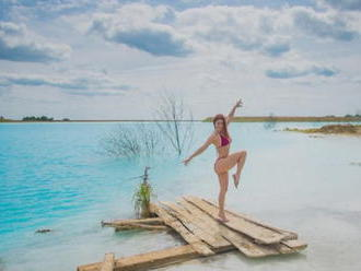 Influenceri sú na smiech: Zistili, že vo fotogenickom jazere riskovali životy