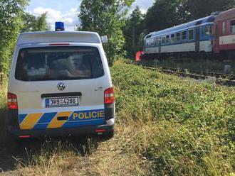 Ďalšia tragédia v Česku. Zrážku s vlakom neprežili štyria ľudia