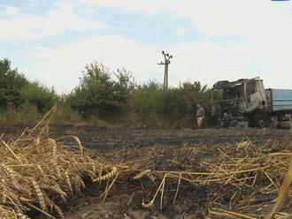 Požiar na poli pri Michalovciach takmer ohrozil úrodu