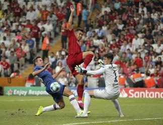 Video: Napínavý zápas o Superpohár UEFA vyhral FC Liverpool, FC Chelsea zdolal v penaltovom rozstrel