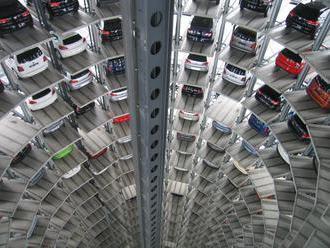 Zo Slovenska sa stáva vrakovisko ojazdených áut zo zahraničia