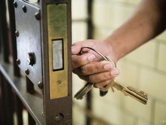 Slovák, ktorý v Rakúsku vrazil nadrogovaný do pumpy, už pozná trest