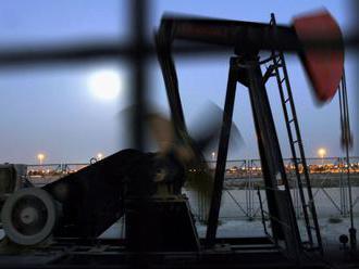 Ceny ropy vzrástli, americká WTI sa obchoduje nad 55 USD za barel
