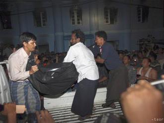 Mjanmarskí povstalci útočili na vládne ciele, zabili najmenej päť ľudí