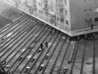 Kettévágva költöztették el a házat Ceaușescu sugárútja elől