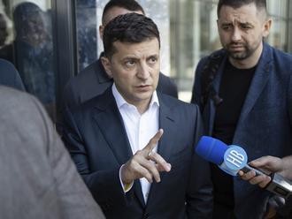 """Ukrajina zjednoduší proces nadobudnutia občianstva pre """"prenasledovaných Rusov"""""""
