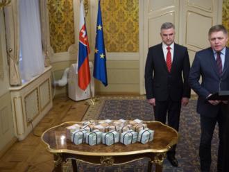 Spor o Gašparovu kandidatúru za Smer: Policajný exprezident útočí na Pellegriniho a posiela ho do PS