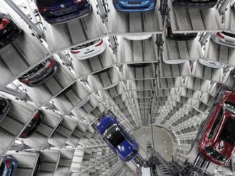 Európske automobilky majú nový problém, Číňania menia svoj vzťah k autám