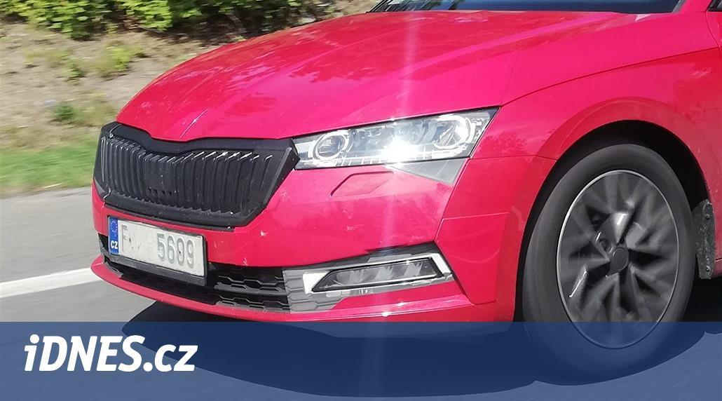 Nová Škoda Octavia v plné parádě. Prototypy trénují v Česku