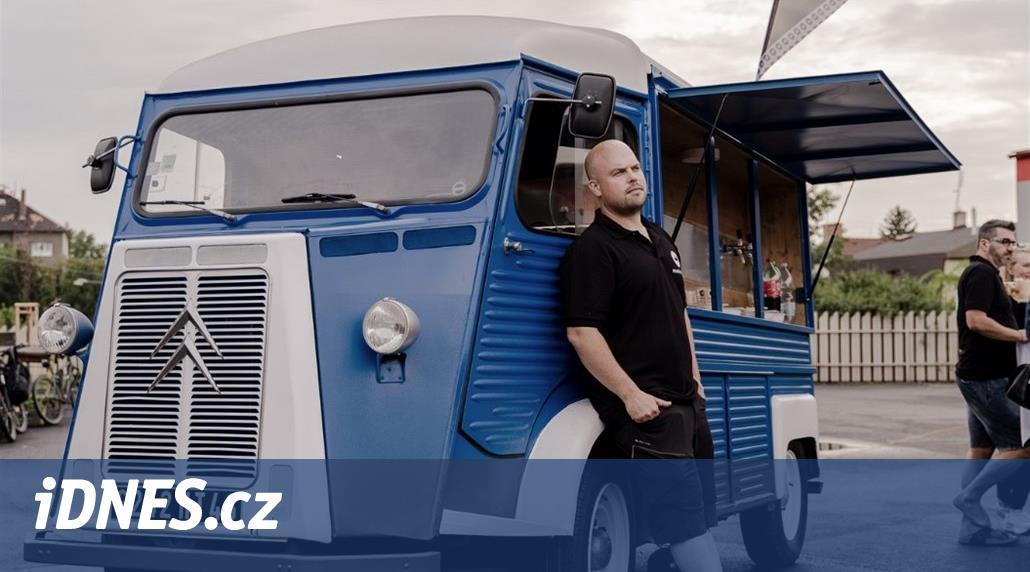 Autofotka týdne: Z legendární vlnité dodávky Češi postavili výčep