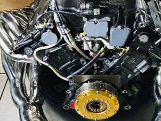 Někdo na internetu prodává motor V12 z Formule 1, stojí víc řada nejlepších aut