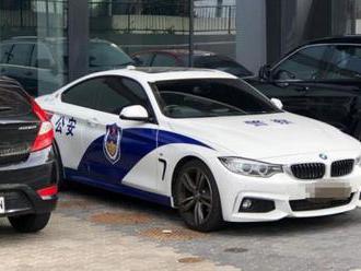 Na australských silnicích se stále častěji objevují čínská policejní auta, místní to děsí