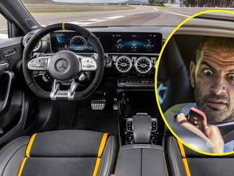 Moderátor Top Gearu totálně strhal nejnovější ostrý Mercedes po prvním testu