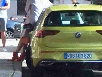VW Golf: Ôsmu generáciu nachytali v Madride. Bez kamufláže!