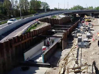 Otvoria zjazdy pod Prístavným mostom. Ak kolaps, tak o rok