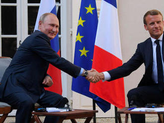 Macron odkázal Putinovi, že vidí Európu až po Vladivostok