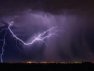 Východ Slovenska zasiahla silná supercela: FOTO Padali až trojcentimetrové krúpy, búrky nekončia