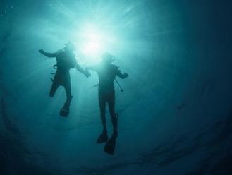 Smutná správa z Grécka: V podvodnej jaskyni zomreli dvaja potápači
