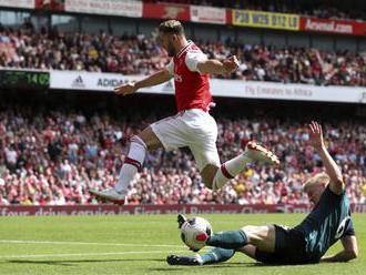 Video: Brankár Dúbravka dostal tri góly, v Premier League aj víťazstvá FC Liverpool a Arsenalu