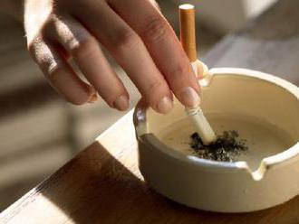 Zvyšovanie dane na cigarety otvára dvere mafii, tabakové firmy varujú aj pred pašeráctvom