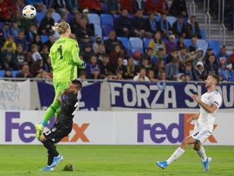 Šesťgólový zápas medzi Slovanom a Besiktasom odštartoval kiks Kariusa, situáciu mal vyriešiť inak