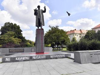 Zastupitelé Prahy 6 budou jednat o pomníku maršála Koněva - video