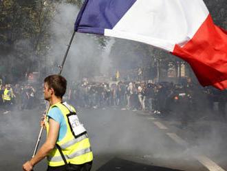 Demonstraci v Paříži narušili radikálové, střetli se s policií
