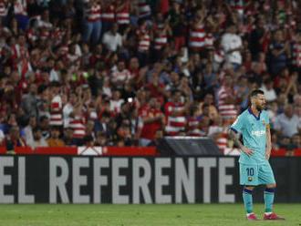 Barcelona podlehla nováčkovi i s Messim v sestavě