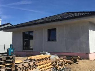 Predaj 4-izb. RD na pozemku cca 600m2 vo V.Chlievanoch pri BN.