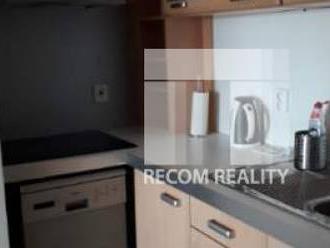 Prenájom: 3 - izbový byt v novostavbe, Martin - Centrum.