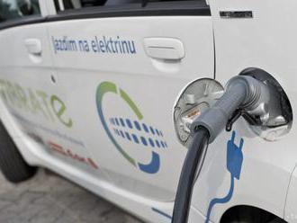 Elektromobilitu majú podporiť aj nabíjacie stanice v nových budovách