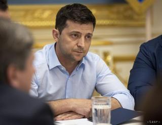 Zelenskyj odmieta mierovú misiu v Donbase, nechce tam nové Abcházsko