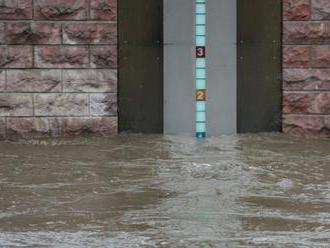Blesková povodeň zatopila ulice Alžíru