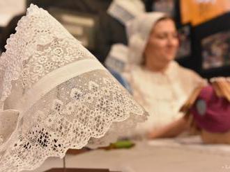 Festival paličkovanej čipky v Rožňave umožní výmenu skúseností