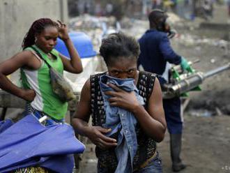Domovy v Juhoafrickej republike opustilo kvôli násiliu 1500 cudzincov