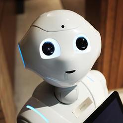 Článek: Téměř polovina spotřebitelů klade rovnítko mezi umělou inteligenci a roboty