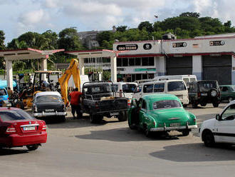 Na Kubě dochází benzin kvůli sankcím USA. Trump se nás snaží vydírat, tvrdí prezident Díaz-Canel