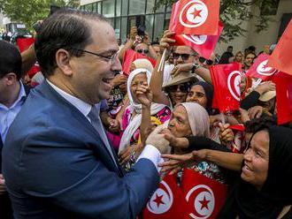 Favoritmi tuniských volieb sú väznený magnát, bývalý premiér a islamista