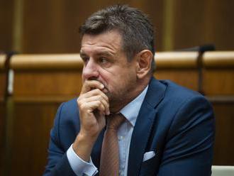 Sólymos sa vzdá straníckych funkcií, z Mosta-Híd neodchádza