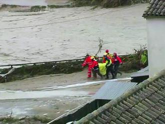 Záplavy si na juhovýchode krajiny vyžiadali už štyri obete