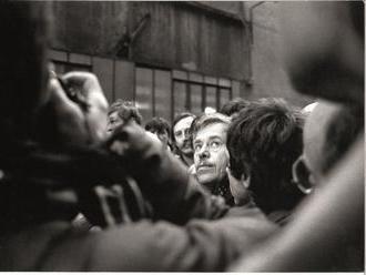 ČT připravila výstavu fotografií a knihu k výročí roku 1989