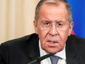 Lavrov: USA sa pustili do realizácie plánov rozmiestnenia zbraní vo vesmíre
