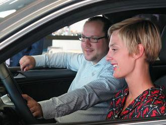 Čím jezdí zpěvačka Bára Poláková a jaká je řidička?