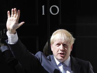 Odklad Brexitu nebude, rozhodol Johnson a vyzval poslancov na svoju podporu