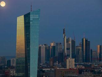 ECB ešte viac uvoľnila menovú politiku