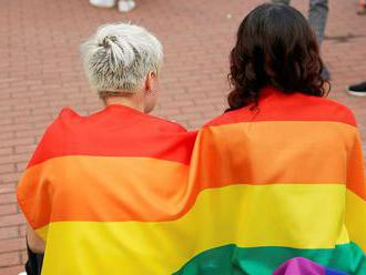 Ľudia nemajú obavy z lesieb a gejov, tvrdí prieskum