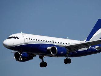 Pilot vylial kávu na kontrolné panely, plný airbus musel núdzovo pristáť