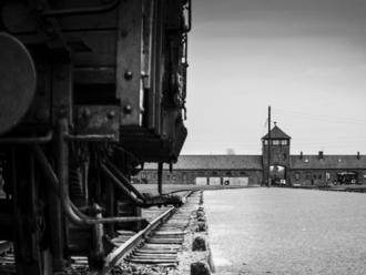 Zomrel Alex Moskovic, preživší bloku 66 v koncentračnom tábore Buchenwald
